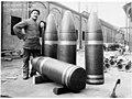 Obus de gros calibre, 381 mm - Terni - Médiathèque de l'architecture et du patrimoine - AP62T104562.jpg