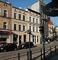 Odnowiona kamieniczka 13 w ciągu ulicy 11 Listopada w Olsztynie.jpg