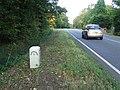 Old Milepost - geograph.org.uk - 1535318.jpg