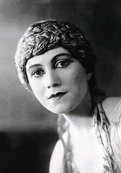 Olga Khokhlova.jpg