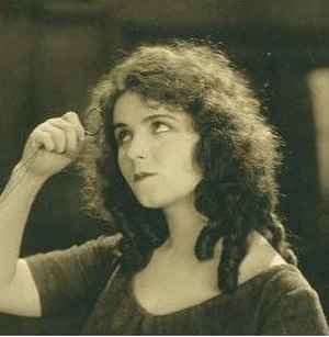 Olive Thomas - Thomas in Out Yonder (1919)