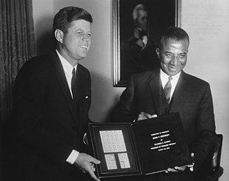 Sylvanus Olympio - Olympio (right) with United States President John F. Kennedy, 1962