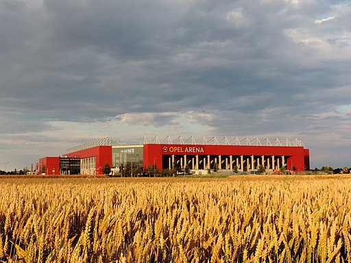 Opel Arena 1
