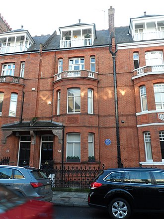 Tite Street - Oscar Wilde's house at 34 Tite Street, now commemorated with a blue plaque