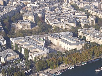 Palais de Tokyo - View of the Palais de Tokyo, seen from the Eiffel Tower. The eastern wing is on the right.