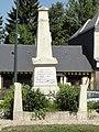 Parc-d'Anxtot (Seine-Mar.) monument aux morts.jpg