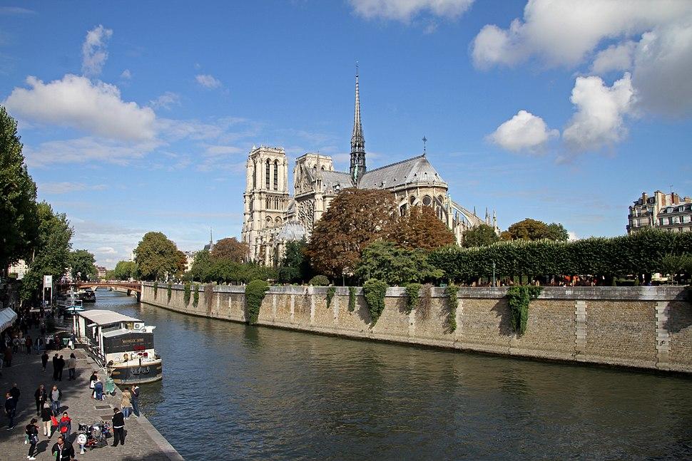 Paris-Notre Dame-130-Quai de Montebello-2017-gje