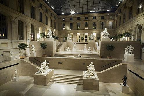 Célèbre Louvre Palace - Wikipedia TR95