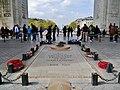 Paris Arc de Triomphe de l'Étoile Grabmal des Unbekannten Soldaten 2.jpg