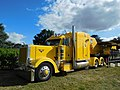 Peterbilt, yellow (1).jpg