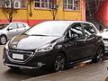 Peugeot 208 1.4 HDi Active 2014 (14808399801).jpg