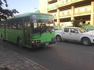 Line 01 (Phnom Penh Bus Rapid Transit) - Image: Phnom Penh BRT bus approaching Monivong Sihanouk station
