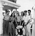 PikiWiki Israel 2270 Kibutz Gan-Shmuel sk17- 313 חברי גן-שמואל על האניה נגבה 1950-5.jpg