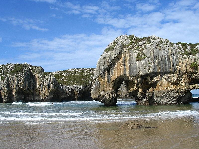 Archivo:Playa-cuevas-del-mar.JPG