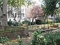 Playpark in Montagu Square - geograph.org.uk - 1048040.jpg