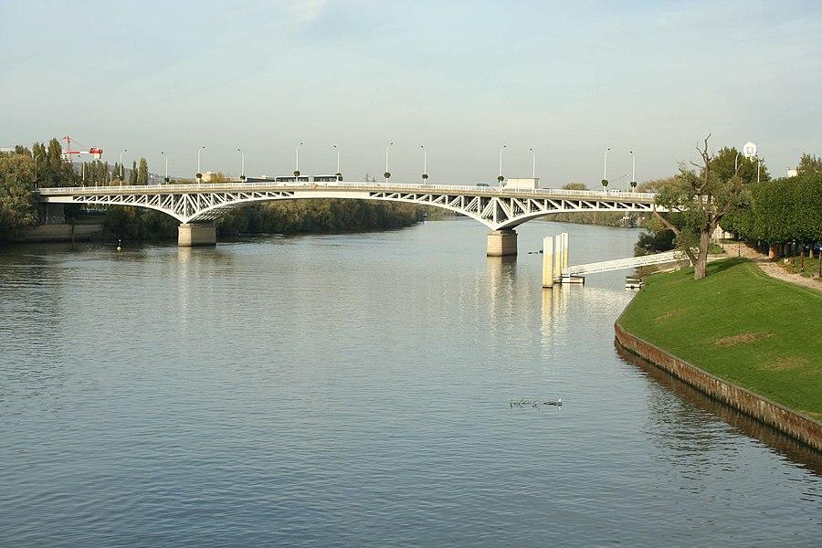 Pont de Poissy sur la Seine - Yvelines (France)