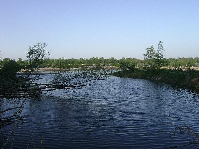 File:Poland. Gmina Konstancin-Jeziorna. Jeziorka 001.JPG