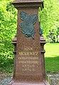Pomník Adama Mickiewicze v parku v Slovenské ulici v Karlových Varech (Q37340674) 03.jpg