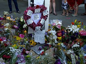 2017 Portland train attack - Memorial for victims at the Hollywood Transit Center