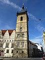 Prag - Der Turm des Neuen Rathauses am Charles Square - Věž Novoměstské radnice na Karlově náměstí - panoramio.jpg