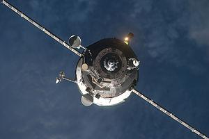 Progress M-09M - Progress M-09M approaches the ISS on 29 January 2011