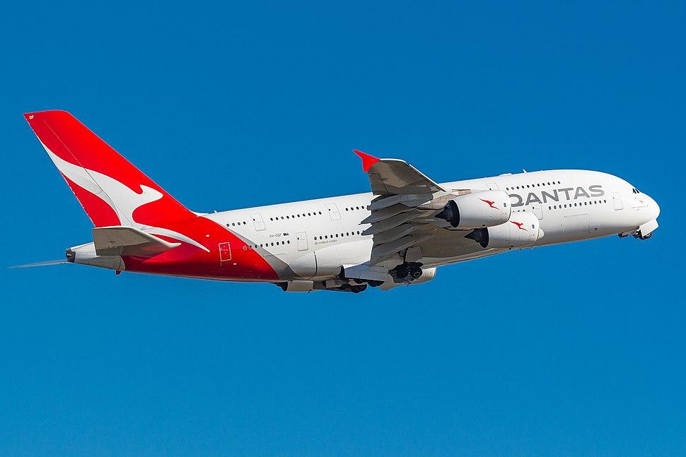 QANTAS A380 VH-OQF 4974