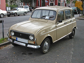 Renault 4 - 1974–1978 Renault 4L: In 1974 a plastic grille replaced the metal one
