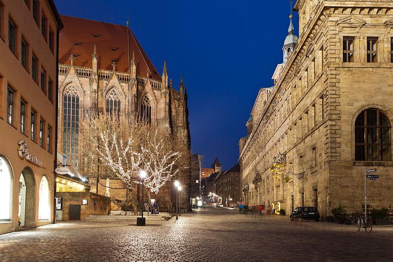 File:Rathaus bei Nacht-235-Nürnberg 2013 MG 4490.jpg