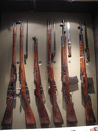 AVS-36 - Red army World War II rifles. From left:Mosin–Nagant M/91-30, Mosin–Nagant M/38 Carbine, Mosin–Nagant M91 dragoon Rifle, AVS-36 and the SVT-38