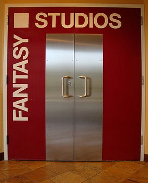 Fantasy Studios - Image: Reddoor 2 shop fix