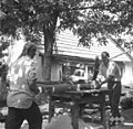 Rezanje lesa za gajbe, pri Žmucu, Male Lipljene 1964 (2).jpg