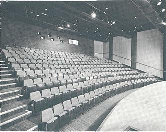 New Victoria Theatre - Image: Rhoda Mc Gaw Auditorium back 1975