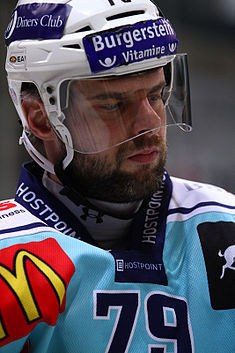 Riesen Michel-2011-01-15 EHCB vs Lakers.jpg