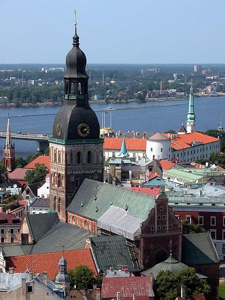 File:Riga Dom-Düna.jpg