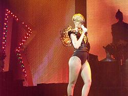 """Die Interpretin Rihanna live auf ihrer """"Last Girl on Earth Tour"""""""