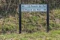 Road fingerpost in commune of Vezins-de-Levezou.jpg