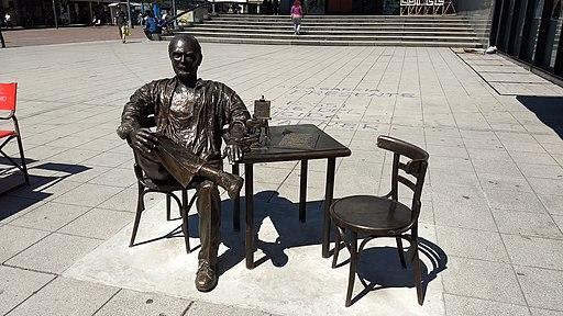 Roberto Fontanarrosa escultura C.C.R.F