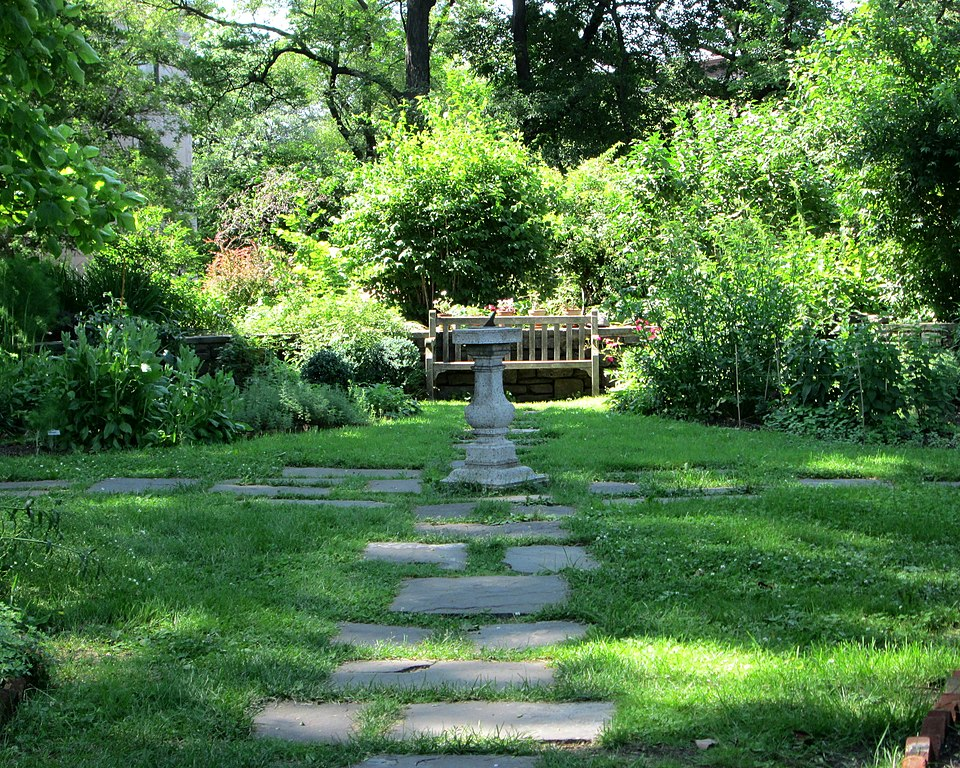 File:Roger Morris Park garden and sundial from south.jpg - Wikimedia ...