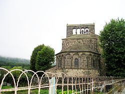 Romanische Kirche von Roffiac.jpg
