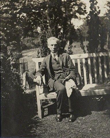 Рассел в 1920 году