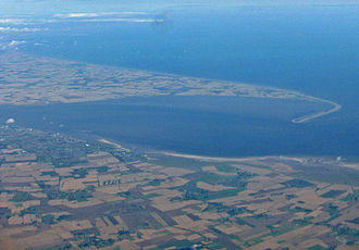 Humber - The Humber Estuary and Spurn Head looking north-east from over North Lincolnshire