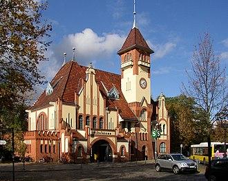 Nikolassee - Nikolassee station building
