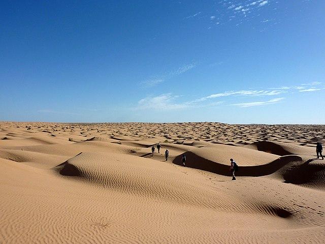Najväčšou púšťou na Zemi je Sahara - 9 000 000 km2
