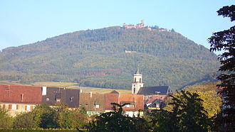 Saint-Hippolyte, Haut-Rhin - Village of Saint-Hippolyte with the castle of Haut-Koenigsbourg
