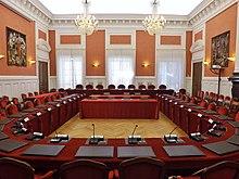 Salle des délibérations du conseil départmenental de la Savoie au château de Chambéry