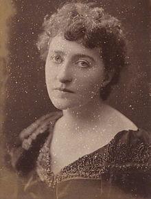 Sarah Grand, 1894, por HS Mendelssohn