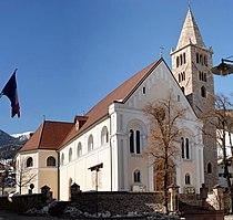 Sarnthein Pfarrkirche.jpg