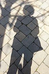 Schatten auf Pflaster 796.jpg