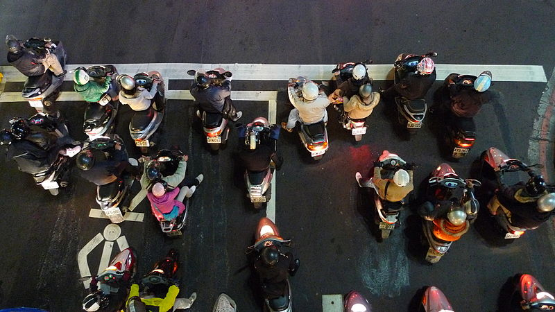 Scooters in taipei.jpg