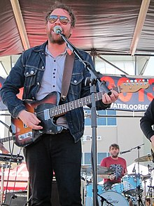 Scott Hutchison 2013.jpg